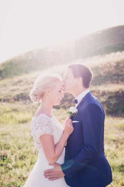 Bröllopsfoto Gamla Uppsala Angelica Johannes.jpg